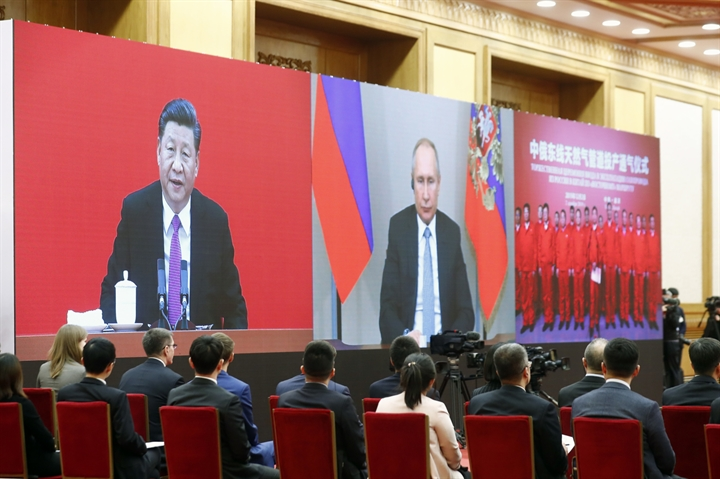 Xi, Putin hail 'extraordinary' bilateral ties in New Year greetings