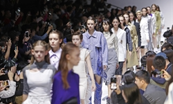 Shanghai Fashion Week takes place through online streaming