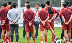 Chinese men's football team all test negative for COVID-19 after returning home from Dubai