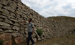 Repair works underway on ancient Great Wall section in Inner Mongolia