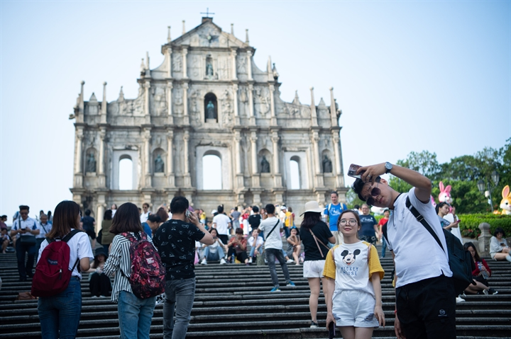 Macao's visitor arrivals reach over 980,000 during Golden Week holiday
