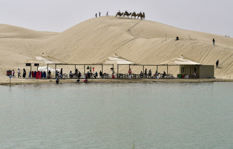 Xinjiang receives over 180 mln tourists in first 9 months