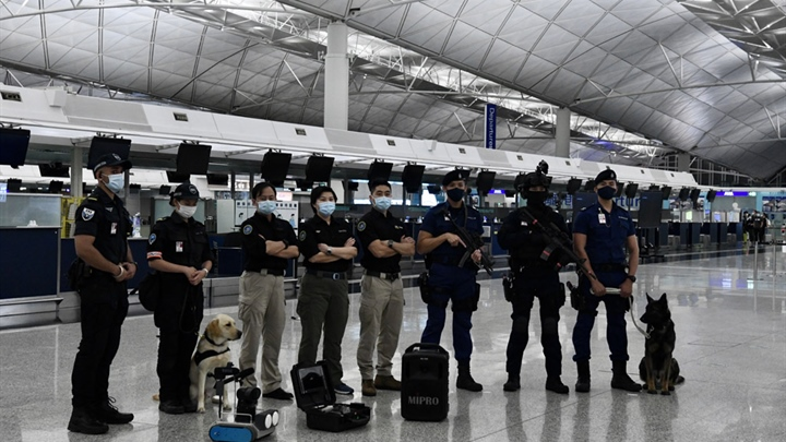 Hong Kong police hold anti-terrorism drill at airport